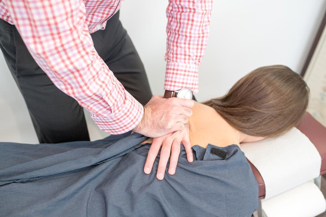chiropractic adjustment at mt hawthorn chiropractic